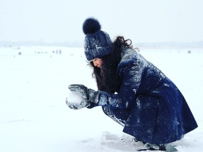 Can you imagine how fascinated with snow I was? EXTREMELY! Glittery, powdery snow. I'd never experienced anything like this. Here, I'm in Berlin's Tempelhofer Feld.
